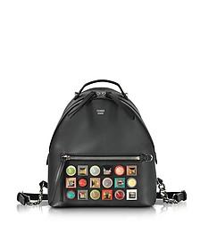 Kleine Rucksack aus Leder in schwarz mit Regenbogen-Nieten - Fendi