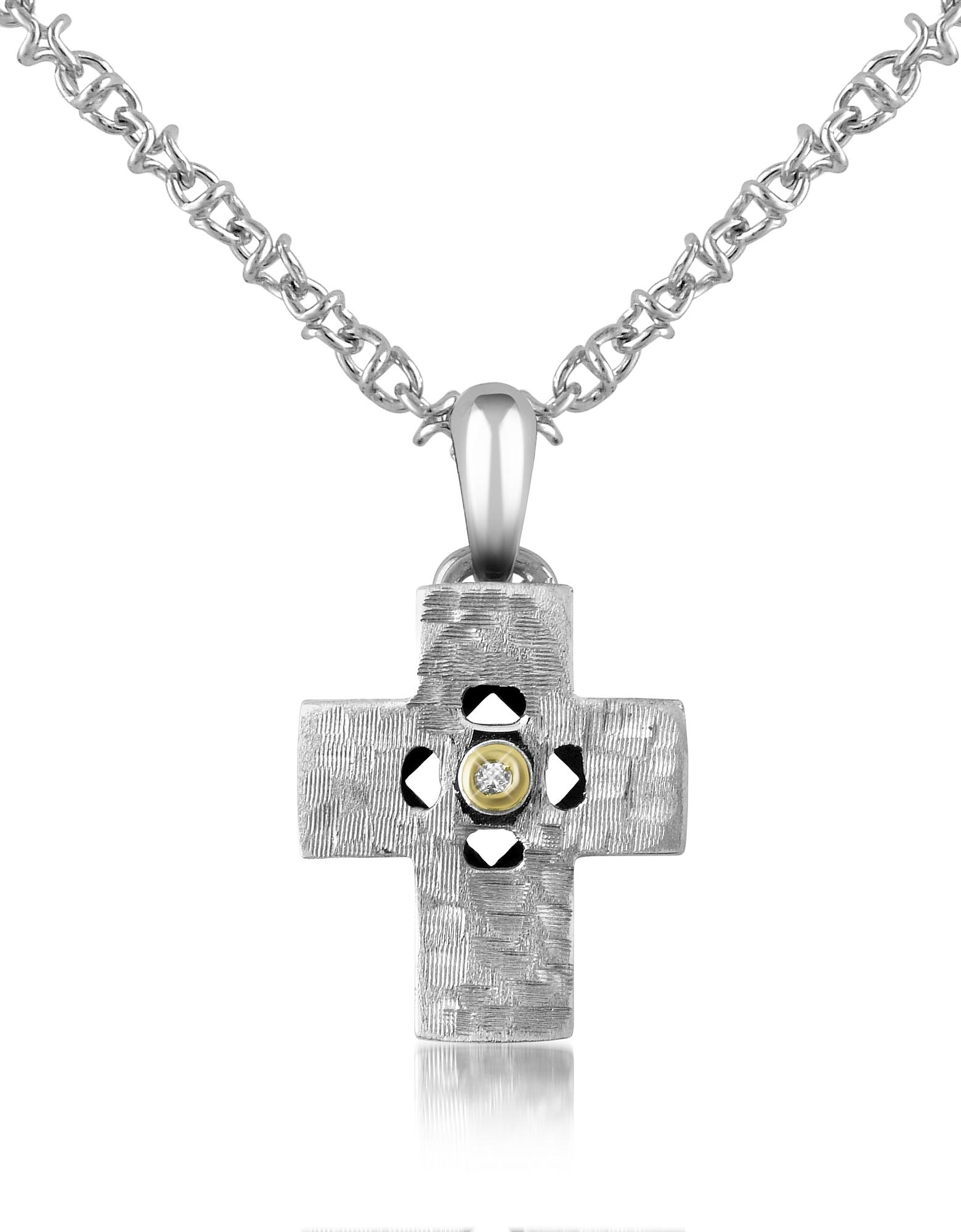 Collana con pendente a croce in acciaio e diamante
