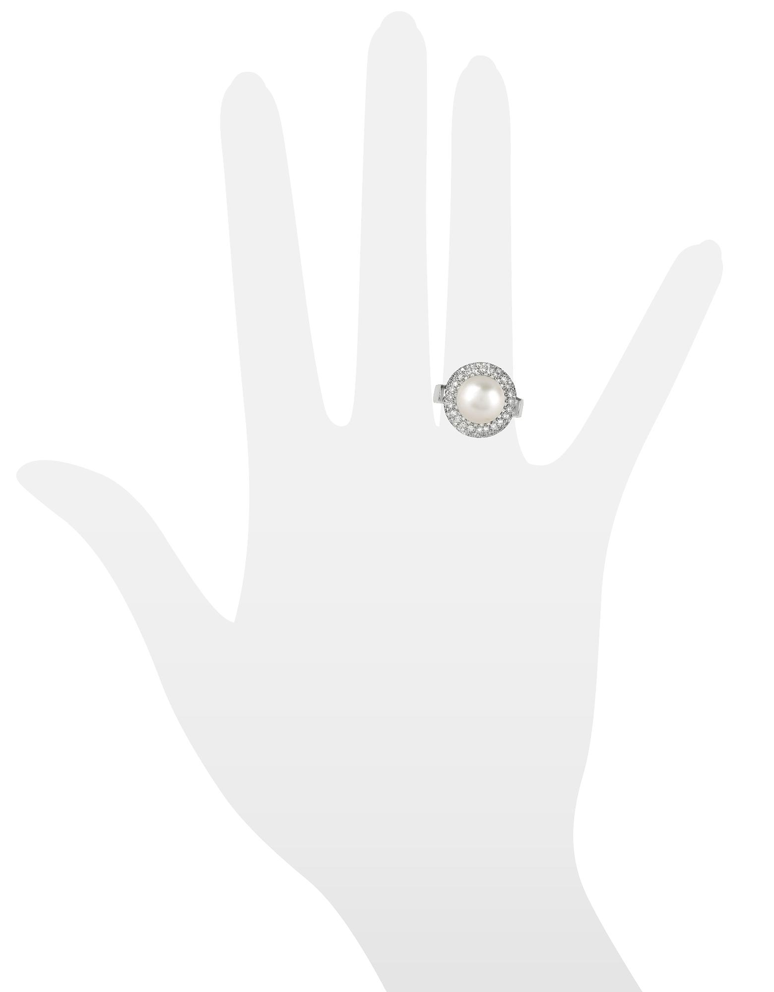 Фото Кольцо из Золота 18 карат с Жемчужиной и Бриллиантами 0.70 карата. Купить с доставкой
