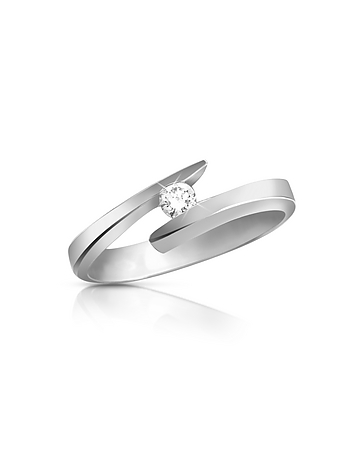 An 18K gold setting features a round solitaire diamond with G color and VSI-SI clarity. Gift box included Made in Italy