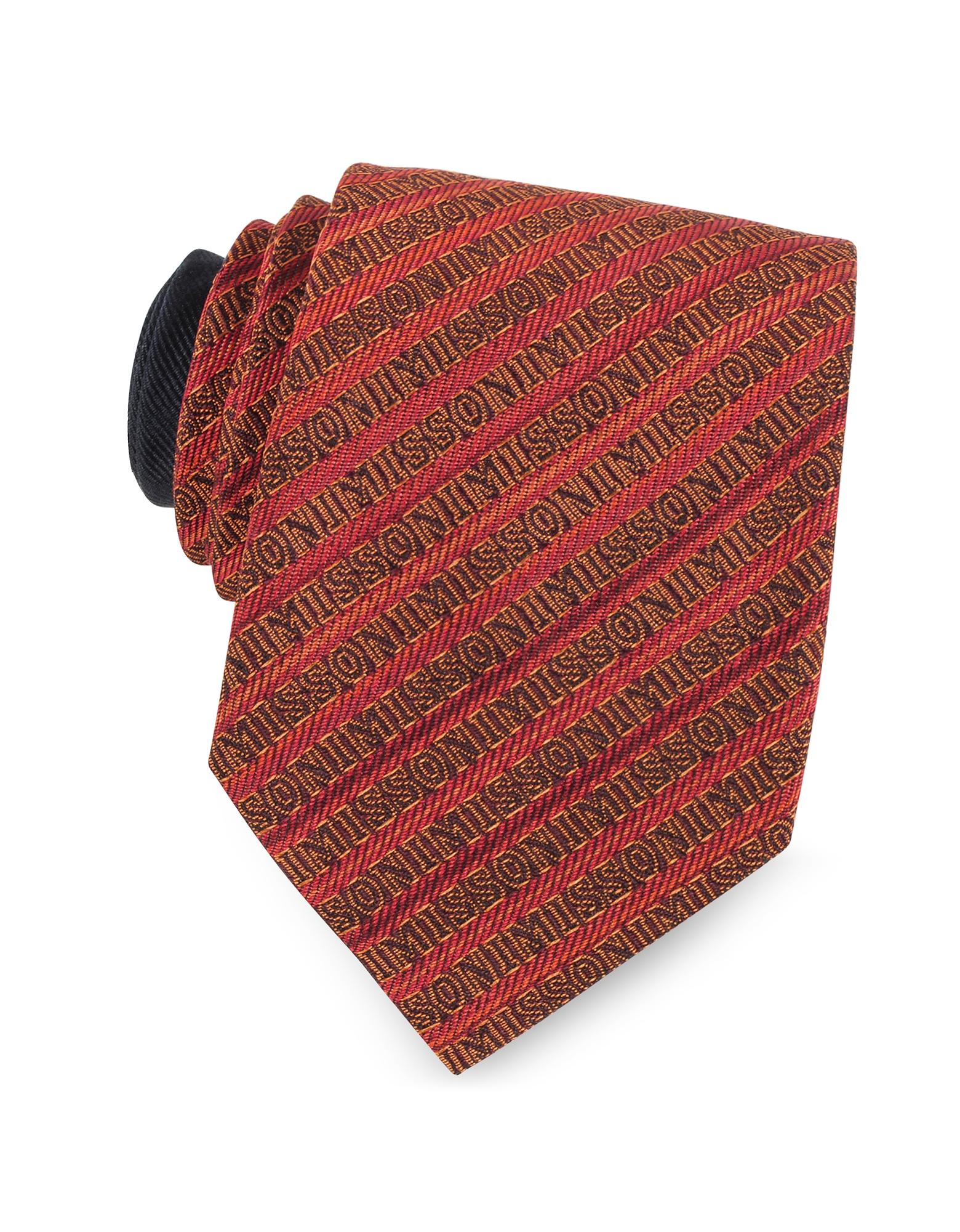Узкий Галстук из Текстурного Шелка с Фирменными Диагональными Полосками Красного и Оранжевого Цветов