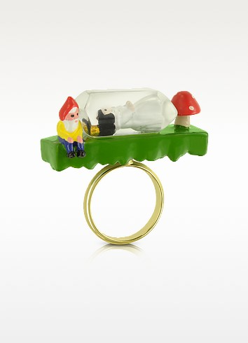 Snow White in her Glass Ring - N2