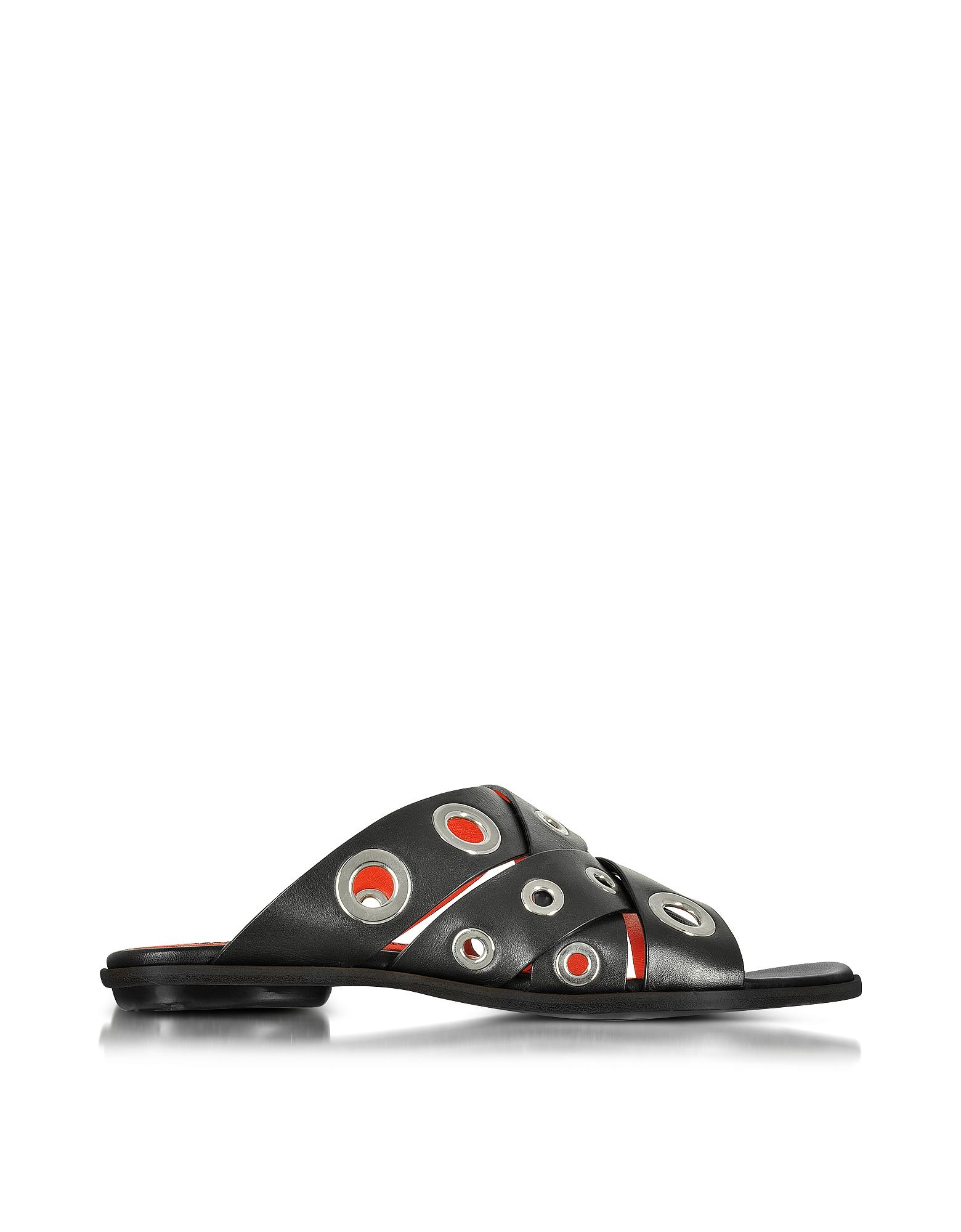 Фото Черные Кожаные Сандалии на Плоской Подошве с Кольцами. Купить с доставкой
