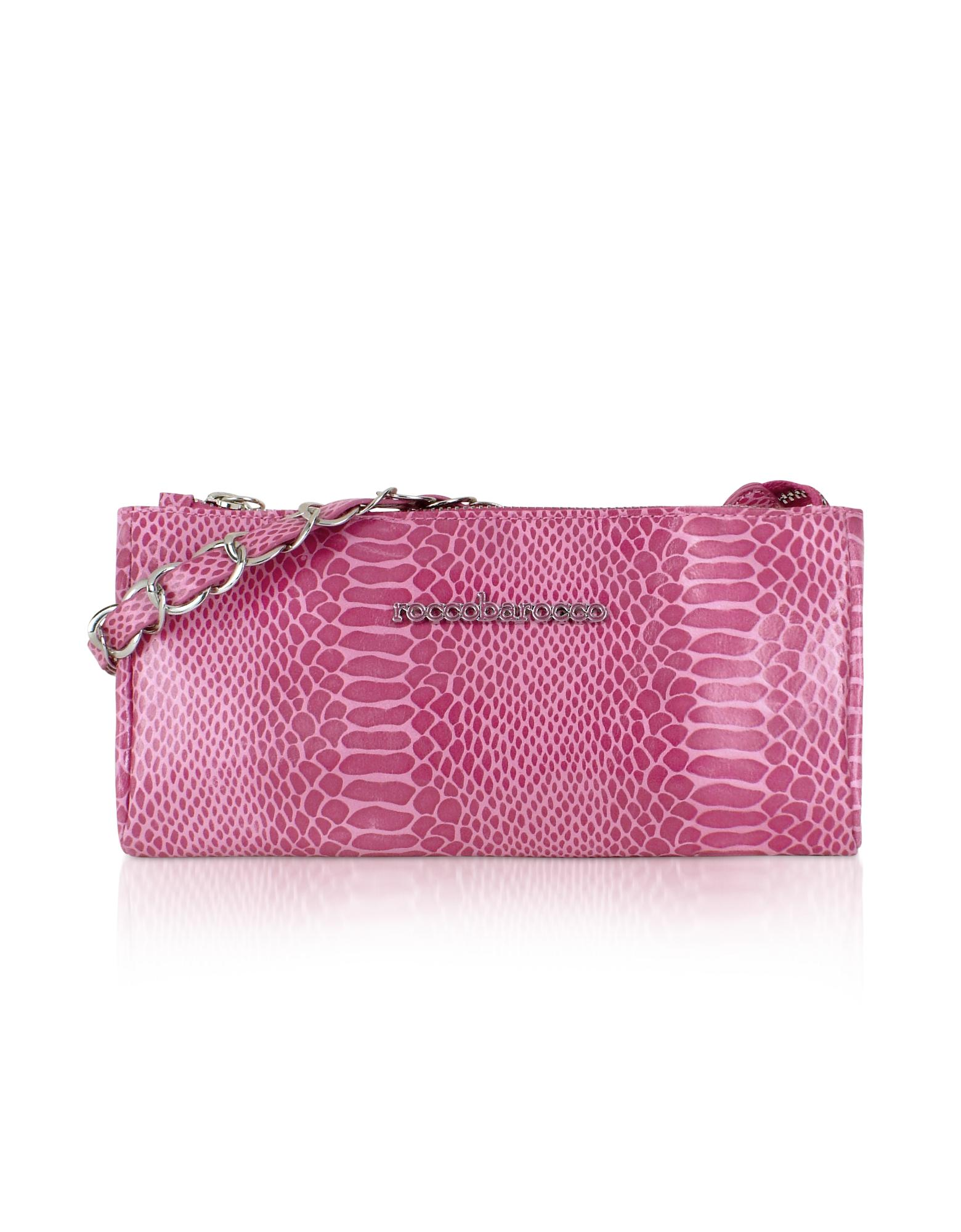 This bright pink baguette bag with its python design is perfectly aligned.